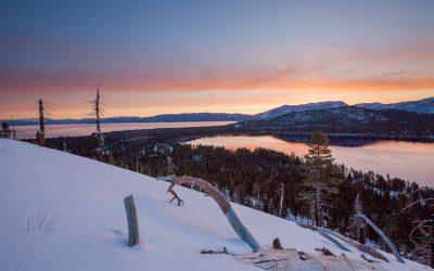 Camper dans la neige: les règles de base pour rester au chaud et en sécurité
